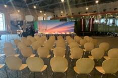 Konferenču apskaņošana un gaismošana