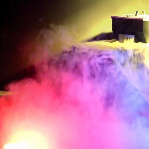 Zemo dūmu mašīna ADJ Mister Kool II