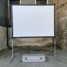 Liels videoprojektora ekrāns <br /><span style=text-transform:none;><small> 1,8×2,5 m</small></span>